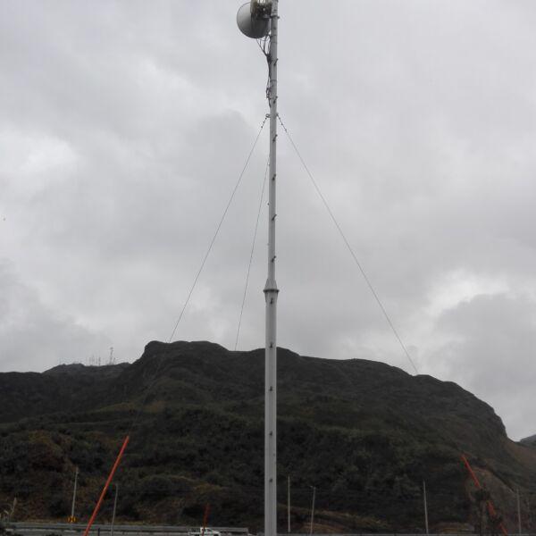 poste metalico antena