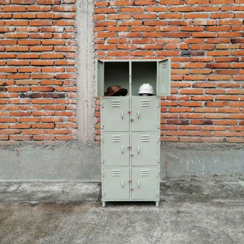 Locker 8